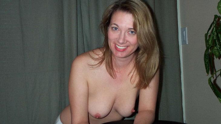 hausfrauen schlampen nackt vor der webcam
